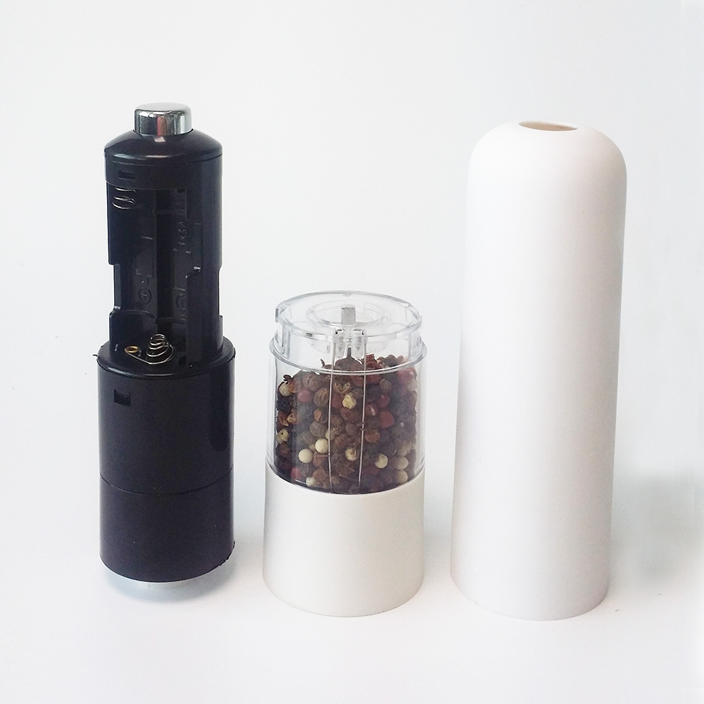 battery operated pepper grinder with light and plastic body