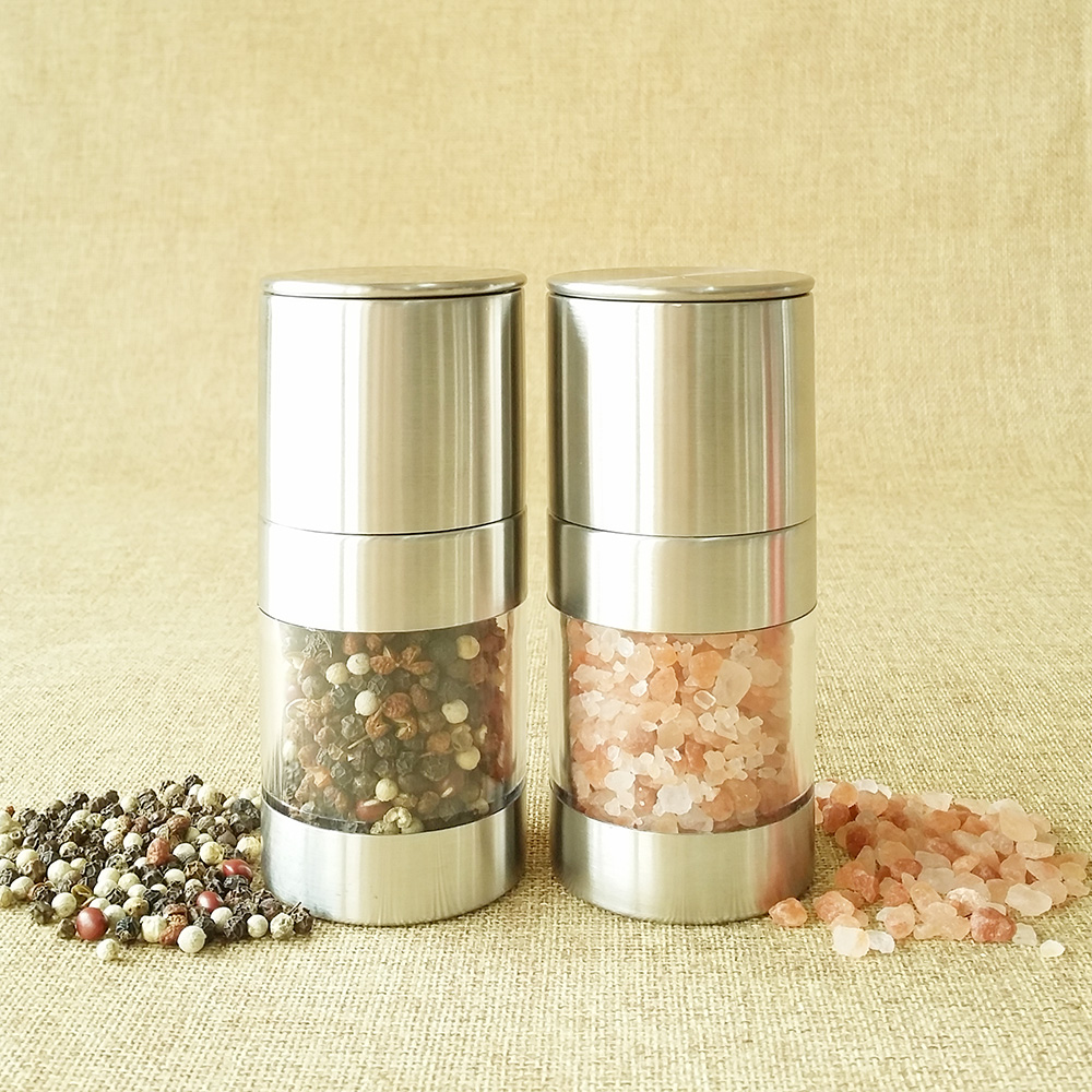 manual stainless steel salt and pepper set